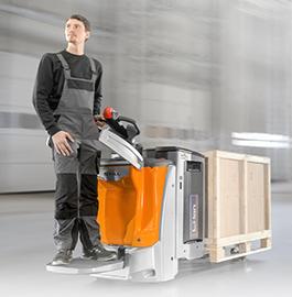 Dobbelt opp på lagerteknikk-trucks